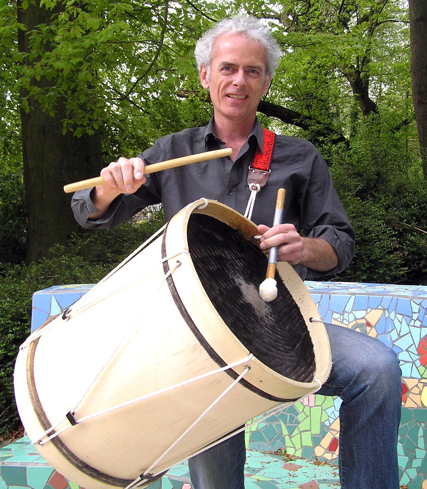 Gerard Schoren met Trommel